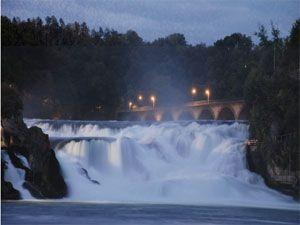 Bir Doğa Harikası: Rheinfall