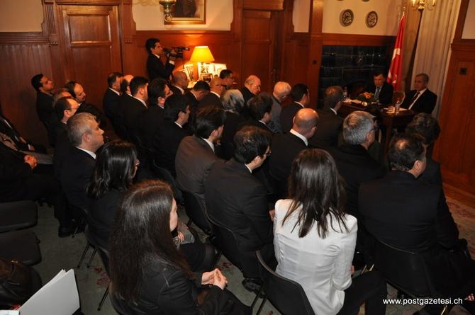 Başbakan Yardımcısı Arınç İsviçre'de STK temsilcileri ile görüştü galerisi resim 1