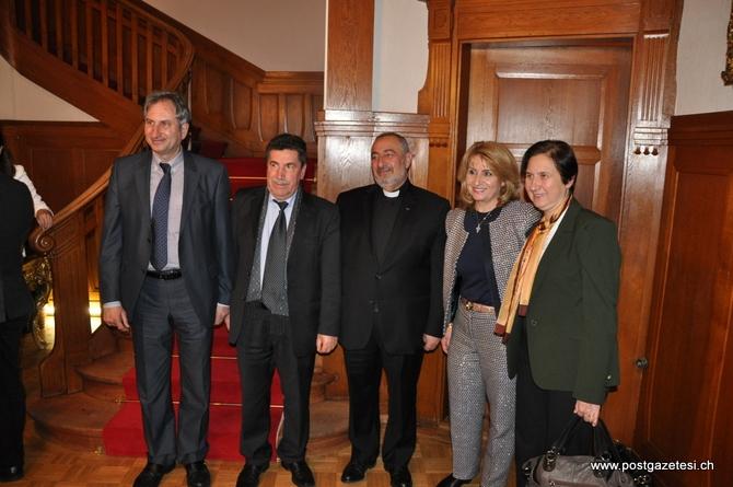 Başbakan Yardımcısı Arınç İsviçre'de STK temsilcileri ile görüştü galerisi resim 11