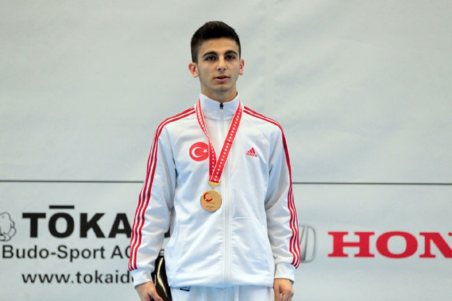 Milli Karateciler'den 2 günde 3 madalya galerisi resim 2
