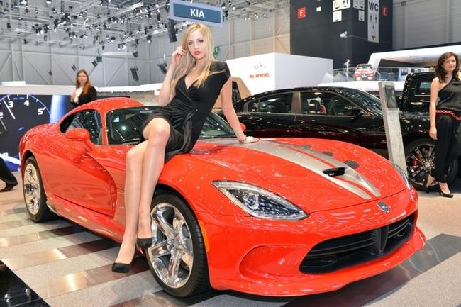 Cenevre Uluslararası Otomobil Fuarı Güzelleri galerisi resim 16