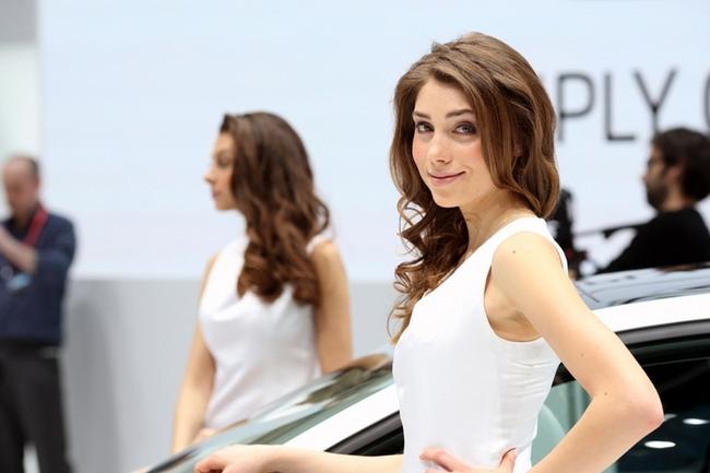 Cenevre Uluslararası Otomobil Fuarı Güzelleri galerisi resim 3