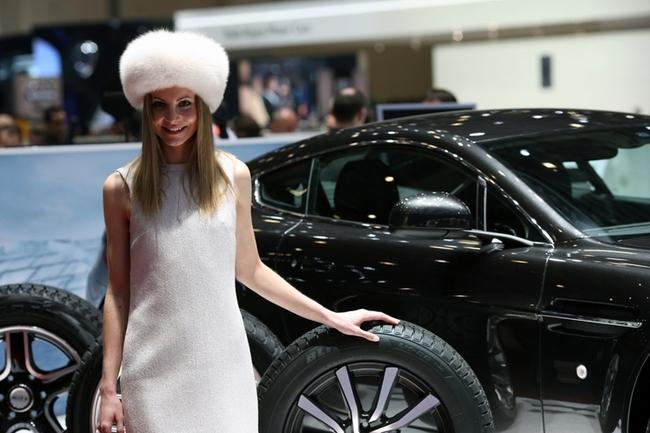 Cenevre Uluslararası Otomobil Fuarı Güzelleri galerisi resim 5