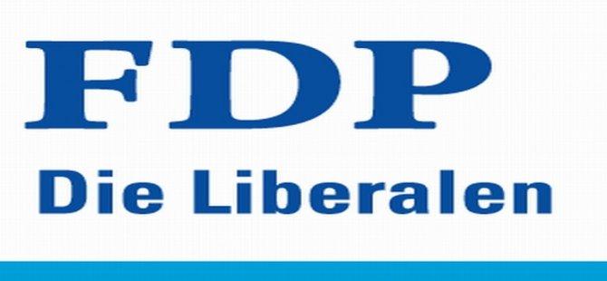 FDP: Siyasetçiler  engelleri aşmak için var