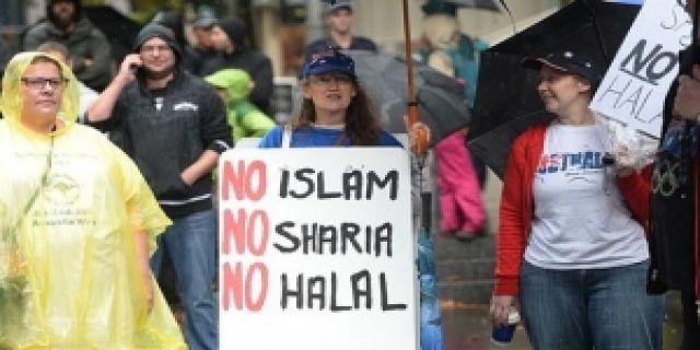 İsviçre'de Müslüman kadına ırkçı hücum