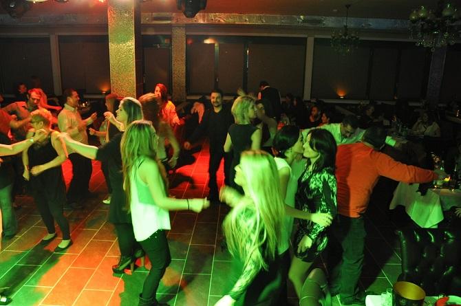 Club Nossa'da yıldızlar geçidi