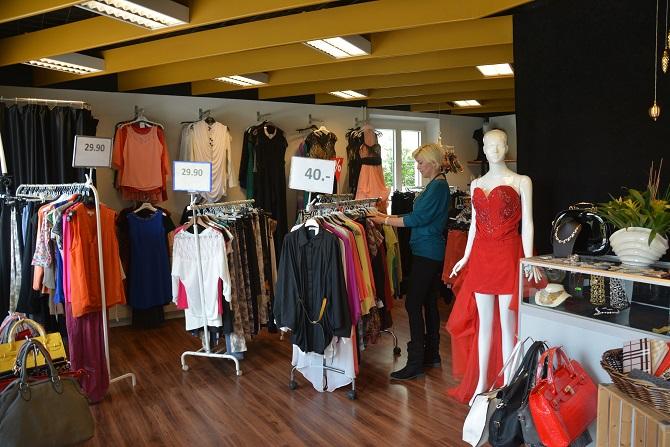 June's moda butiği kapısını halka açıyor