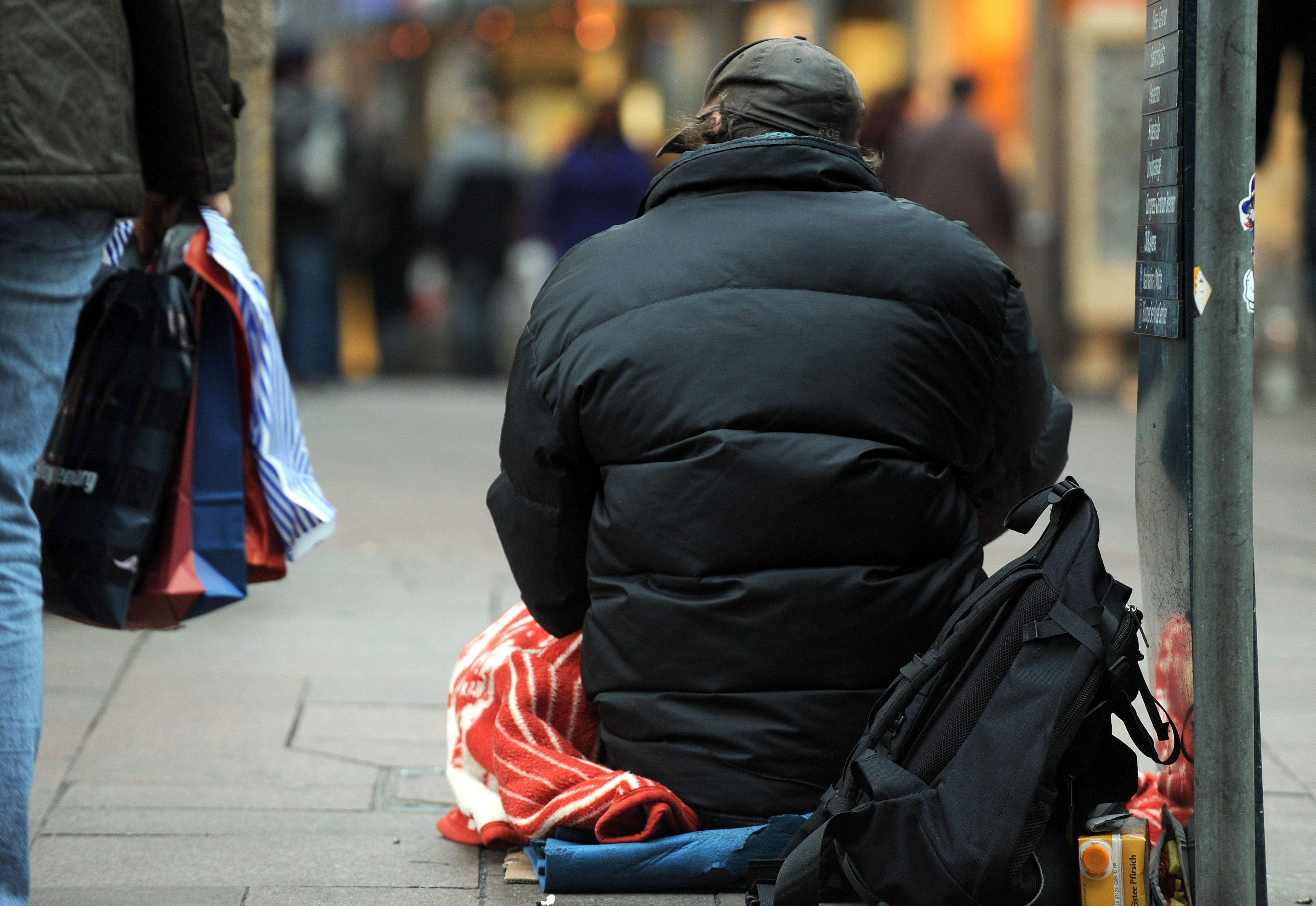 İSVİÇRE'de Bir milyondan fazla  insan fakirlik sınırında