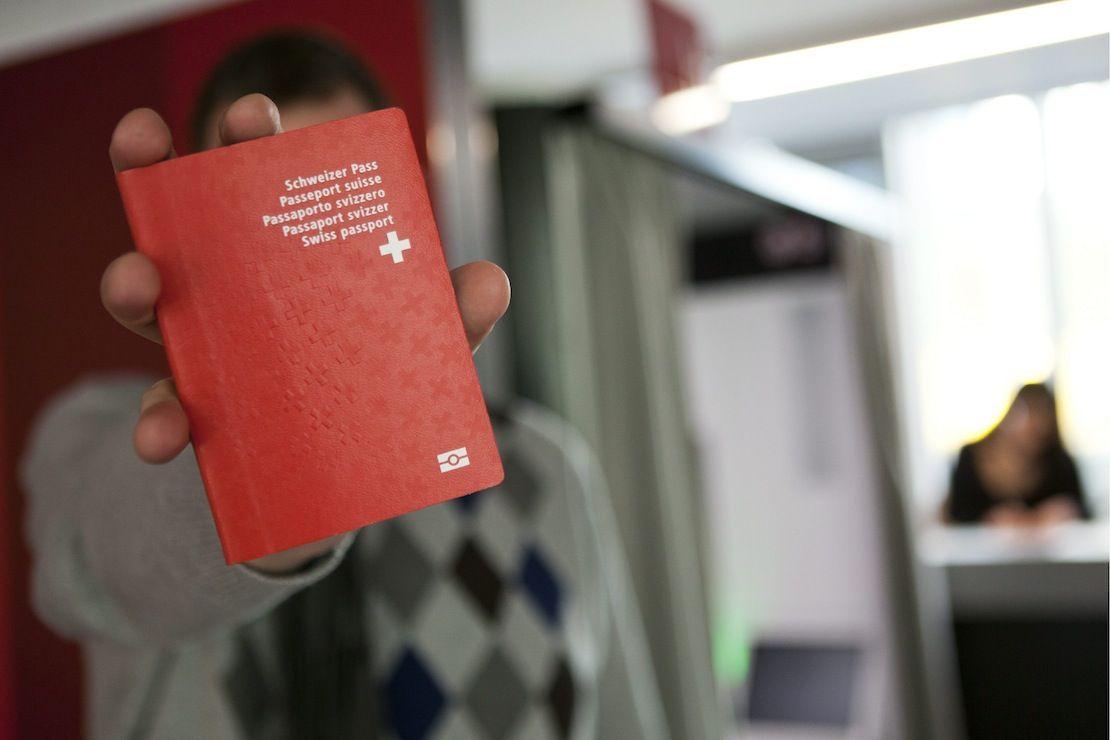 36'000 Yeni kırmızı Pasaport