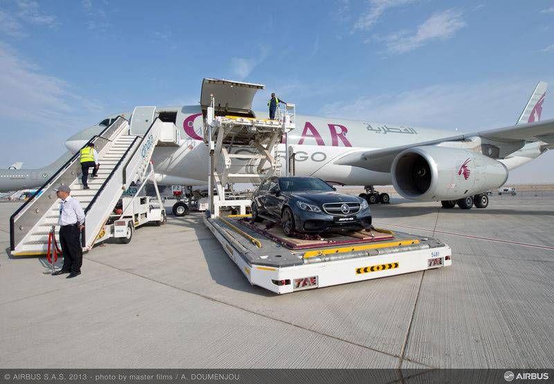 Arap şeyhleri lüks otomobilleriyle geliyor