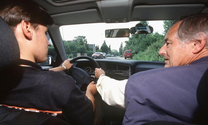 Sürücü adaylarına yeni kurallar yolda