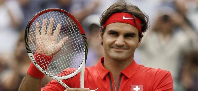 Federer zorlandı ama kazandı!