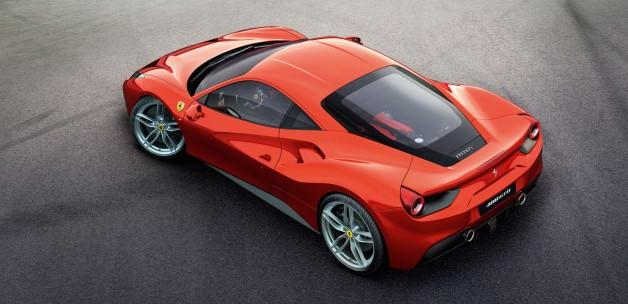 Yeni Ferrari'ye muhteşem tanıtım! TIKLA İZLE