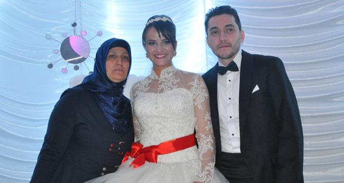 Mehmet ve Leyla'ya mutluluklar dileriz