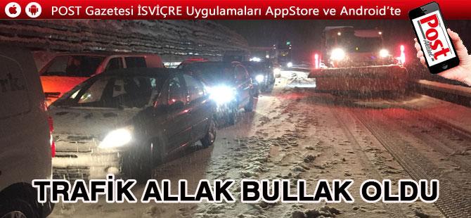 Yollar Karla Kaplandı Trafik durdu