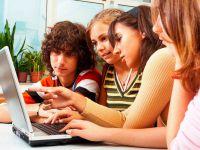 Anolog gençlik Offline dijital gençlik Online