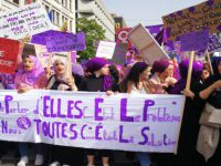 Cenevre'de kadınlar grevinde sözlü taciz
